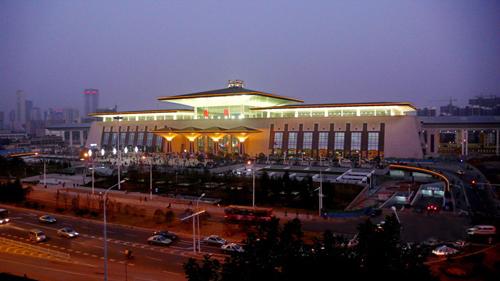 武昌火车站   武昌火车站位于武昌区中山路东南