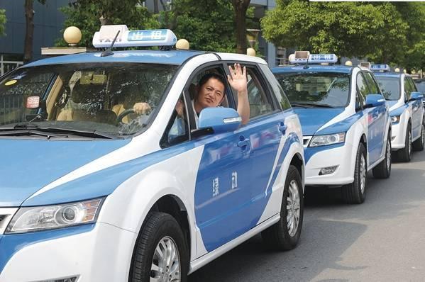 此外,为引导广大巡游出租汽车驾驶员诚信经营,优质服务,市客运出租汽