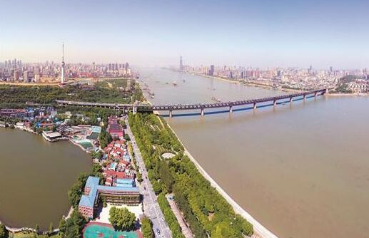 见证武汉半世纪变迁 万里长江第一桥昨迎60岁生日